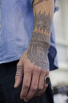005-hand-tattoo-idea-for-men