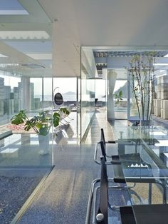 ♂ Contemporary Glass House by NAF Architect and Design