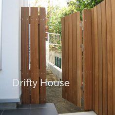 Garden Doors, Fence Design, Diy And Crafts, Porch, Interior Decorating, New Homes, Exterior, House Design, Home Decor