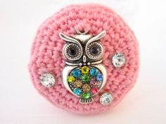 Crocheted pink brooch with metal owl by JewelryNeshElly on Etsy