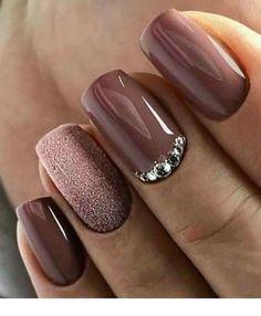 best shiny and shiny silver nail designs (page - best models of shiny and shiny silver nails (page Guide to silver nail polish When the weath - Silver Nails, Pink Nails, Glitter Nails, Purple Glitter, Stylish Nails, Trendy Nails, Elegant Nails, Nail Polish Designs, Nail Art Designs
