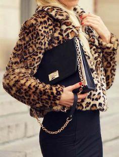 Stampa animalier come indossarla 50 outfits 192 - Stampa animalier: come indossarla 50 + outfits Leopard Fashion, Animal Print Fashion, Fashion Prints, Animal Prints, Animal Print Clothes, Leopard Prints, Leopard Jacket, Penelope, Print Jacket