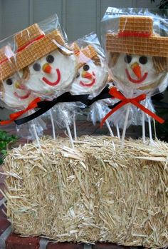 Mini hay bales for cookies!!!! We have to do this!