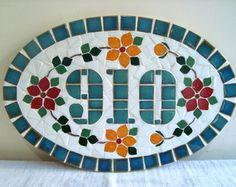 Keramická cedulka rodinná s mazlíčky na míru / Zboží prodejce ZARIA Mosaic Diy, Mosaic Garden, Mosaic Crafts, Mosaic Projects, Stained Glass Projects, Mosaic Glass, Mosaic Designs, Mosaic Patterns, Vitromosaico Ideas