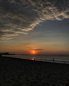 Sunset-ing at #PuntaCentinela 🥂🙌🏻 #sunset #beach #mood #staycation #atardecer #turismo #allyouneedisecuador #viajes #tourism #travel #iamatraveler #conoceecuador #discover #latam #playas #salinas #montereylocals #salinaslocals- posted by THE LIFESTYLER https://www.instagram.com/thelfstlr - See more of Salinas, CA at http://salinaslocals.com