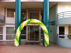 arche de ballons vert,blanc,jaune