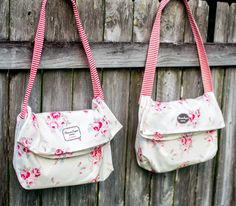 1 Yard Magic Messenger Bag from Lecien Fabrics {2 Bags!} | She Sews! | Bloglovin'