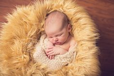 Adorable knit newborn sack that is easy and fast to knit. Great for photography purposes. Capture the