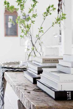Zweeds interieur. Voor meer interieur inspiratie kijk ook eens op http://www.wonenonline.nl/