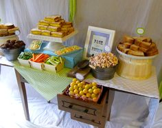 Pack your own picnic luncheon! Party Food Bars, Banquet, Party Planning, Picnic, Snacks, Teas, Cooking, Breakfast, Parties