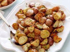 Στο τραπέζια, οι πατάτες φούρνου τις περισσότερες φορές μας τιμάν με τη παρουσία τους! Εδώ σας έχω τις δικιες μου αγαπημένες συνταγές,για να διαλέξετε ποια σας ταιριάζει!    ΠΑΤΑΤΕΣ ΦΟΥΡΝΟΥ ΜΕ ΔΕΝΤΡΟΛΙΒΑΝΟ   Υλικά πατάτες μικρές στρογγυλές 1/2 φλ. τσαγιού ελαιόλαδο 3 κ.σ. μουστάρδα 2 κ.γλ. ζάχαρη 2 κλωνάρια δεντρολίβανο 2 …