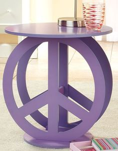 retro decorating - peace sign decorations - flower power teens hippie bedrooms - retro decor - groovy hippie chic girls bedrooms - tie dye decorations - bedroom theme ideas - themed bedroom design ideas - Peace S 70s Bedroom, Hippy Bedroom, Bedroom Themes, Trendy Bedroom, Girls Bedroom, Decorating Bedrooms, Bedroom Ideas, Bedroom Decor, My New Room