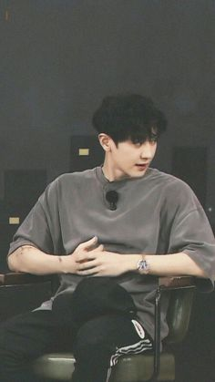 """girls don't want boys, girls want park chanyeol - a thread"""
