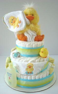 Cute Rubber Duck gender neutral diaper cake for baby shower Baby Cakes, Baby Shower Cakes, Regalo Baby Shower, Baby Shower Duck, Rubber Ducky Baby Shower, Baby Shower Diapers, Gender Neutral Baby Shower, Diaper Cakes, Baby Shower Parties
