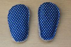 chaussons pour bébé. DIY, tutoriel pas à pas. Baby Couture, Alaia, Socks, Crochet, Craft, Daisy, Fashion, Baby Shoes Tutorial, Fuzzy Slippers