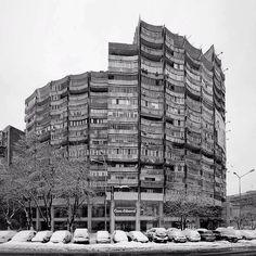 """Housing building, (Blocul Rotund) Lujerului square, Militari neighborhood…"