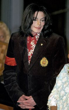<3 Michael Jackson <3 - receiving the Humanitarian award in 2004. you may have not cared for him because of the child scandals......but his music money fed a many a hungry child, vaccinations, and aids meds. so for that he ranks #3 in my list. luv michael