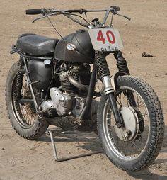 The Bullitt: Ultimate Survivor: Triumph Desert Sled Triumph Scrambler, Scrambler Motorcycle, Triumph Bonneville, Triumph Motorcycles, Bobber, British Motorcycles, Vintage Motorcycles, Desert Sled, Scrambler Custom