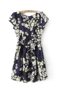 So CUTE! Navy and White Chrysanthemum Print Pleated Dress!