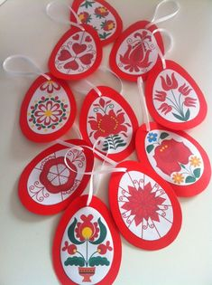 Beautiful traditional Hungarian patterns for many holidays, Christmas ornaments, etc. School Decorations, Christmas Decorations To Make, Christmas Diy, Christmas Ornaments, Spring Projects, Spring Crafts, Origami, Easter Activities For Kids, World Thinking Day