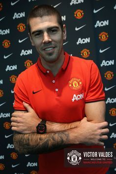 New signing Victor Valdes shows off his tattoos. Man United, Football Team, Manchester United, Athlete, Polo Ralph Lauren, The Unit, My Love, Mens Tops, Red