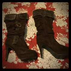 Platform boots Brown platform boots. Scuffing on heels but barely noticeable Shoes Heeled Boots