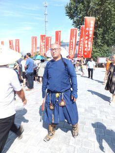 【Manchuria character】Bi manju inu,onggoro be ashvme lashala . I am Manchu people, refused to forget ,我是滿洲人,拒絕遺忘。