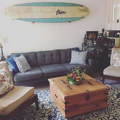Apartment spotlight. 🏠👌🏼 . . . Sometimes you just need a beautiful centerpiece to finish off a room. - @erinseay81 // @joybird . . . #sandiego #sandiegoca #pacificocean #onlyinpb #pacificbeach #missionbeach #missionbay #pb #oceanbeach #1904 #lajolla #california #92109 #lajollalocals #sandiegoconnection #sdlocals - posted by Pacific Beach, CA ☀️  https://www.instagram.com/pacific.beach. See more post on La Jolla at http://LaJollaLocals.com