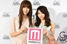 小林由依(右)土生瑞穂(左)/(C)モデルプレス