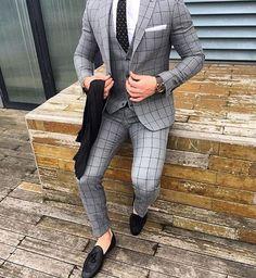 Black and brown designer suits for fashion men. mens slim fit suits designer, mens designer suits on sale, Press VISIT link above for more options Best Suits For Men, Cool Suits, Suit For Men, Grey Suit Men, Grey Suits, Terno Slim Fit, Suit Combinations, Mode Costume, Designer Suits For Men