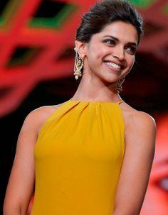 Yellow Top, Yellow Dress, Deepika Padukone Hot, Dipika Padukone, Disha Patni, Double Take, International Film Festival, Bollywood Stars, Modern Man
