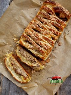 Placinta cu carne Pork Recipes, Cooking Recipes, Pork Meals, Romanian Food, Pastry And Bakery, Food And Drink, Appetizers, Keto, Bread
