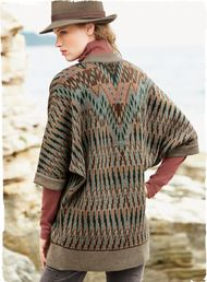 Graphic zigzags from Guatemalan embroidery inspired our relaxed kimono. Jacquard knit in dusty neutrals lit with blush and turquoise. Styled with ¾-dolman sleeves, a buttonless placket and ribbed trim. Baby alpaca (65%), wool (28%) and pima (7%).