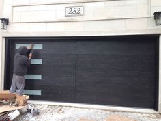 Modern-Garage-Doors-Woodgrain-Garage-Doors-with-Frosted-Door-Lites-Installed-in-Toronto-by-Modern-Doors.jpg (800×600)