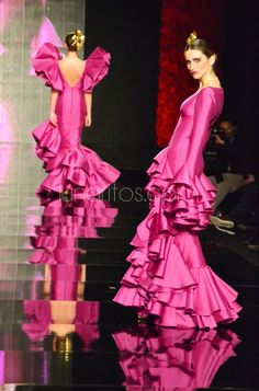 Vicky Martin Berrocal. Simof 2015 K Rose, Philippines Fashion, Mexican Dresses, Mermaid Gown, Beautiful Long Hair, African Design, Timeless Fashion, African Fashion, Glamour