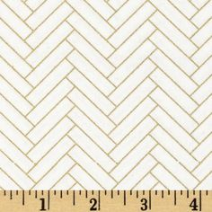 Nightfall Metallic Herringbone White from @fabricdotcom  Designed by Camelot Design Studio for Camelot Fabrics, this cotton print features gold metallic foil accents throughout and is perfect for quilting, apparel and home decor accents.  Colors include white and metallic gold.