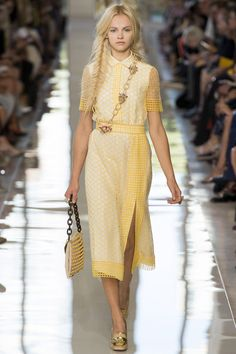Tory Burch Spring 2013 Ready-to-Wear Fashion Show - Ginta Lapina