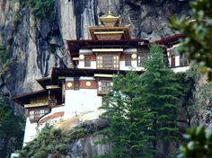 Taksang, também chamado de Tiger's Nest; mais famoso monastério do Butão, na Ásia