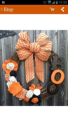 Love love love! Rustic, Halloween wreath