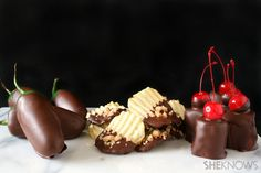 3 Chocolate covered treats for Valentine's Day: jalapeno peppers, potato chips, and marshmallows #recipe