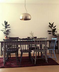 Livingroom. Krzesło PRL patyczak. Chalk paint Annie Sloan Annie Sloan, Dom, Chalk Paint, Dining Table, Living Room, Furniture, Home Decor, Homemade Home Decor, Diner Table
