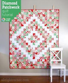 A Bright Corner: Diamond Patchwork Quilt Tutorial Christmas Quilt Patterns, Patchwork Quilt Patterns, Scrappy Quilts, Quilt Patterns Free, Christmas Quilting, Christmas Patchwork, Patchwork Ideas, Amish Quilts, Hexagon Quilt