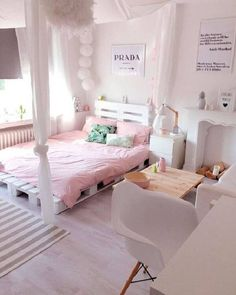 100 heap diy ideas for wooden pallet beds 56 Dream Rooms, Dream Bedroom, Girls Bedroom, Bedroom Decor, Bedroom Ideas, Bedrooms, Bali Bedroom, Trendy Bedroom, Tumblr Bedroom