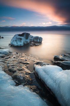 Lake Superior winter morning. Cascade River State Park, Cook County, Minnesota. Photo: Bryan Hansel via Flickr