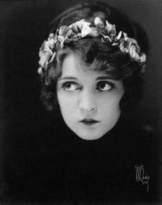 Silent film star Dorothy Dwan, 1920s