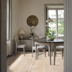 Buy Online Today Oak Brighton Kahrs Engineered Wood from BestatFlooring. The UK's Leading supplier of Kahrs Flooring Engineered Wood Floors, Hardwood Floors, Bathroom Interior, Interior Design Living Room, Kahrs Flooring, Cost Of Wood Flooring, Grey Flooring, Light Wood Kitchens, Kitchen Flooring