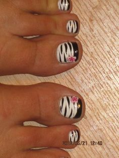 Pretty pedicure: White Polish zebra print with Black French tips and a Pink flower Decal. Get Nails, Fancy Nails, Hair And Nails, Pretty Pedicures, Pretty Nails, Pretty Toes, Manicure Y Pedicure, Pedicure Ideas, Nail Tutorials