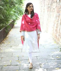 casual - the whole look - white kurta pyjama - mauje, drop earrings / jhumke and coloured dupatta (but perhaps a more subtle colour for me)