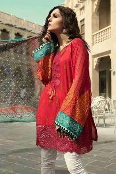 An established designer in the pakistani fashion world, maria b has always come up with unique styles that are not available anywhere else in the market. Formal Dresses Long Elegant, Formal Dresses For Women, Short Dresses, Bridal Dresses 2018, Wedding Dresses, Maria B Bridal, Cruise Dress, Wedding Jumpsuit, Jumpsuit Dress