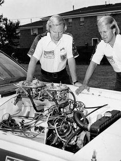 Sox & Martin Dodge Motors, Vintage Racing, Vintage Auto, Dodge Dealership, Nhra Pro Stock, Nhra Drag Racing, Drag Cars, Racing Team, American Muscle Cars